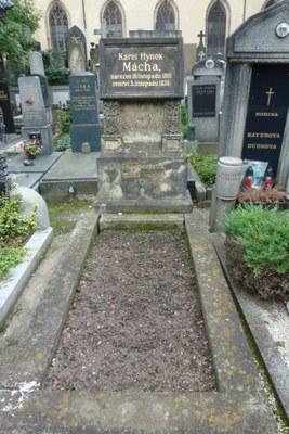 Slavín   hrob K.H.Máchy